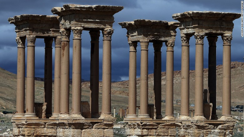 ISIS' advance on Tadmur threatens UNESCO heritage site