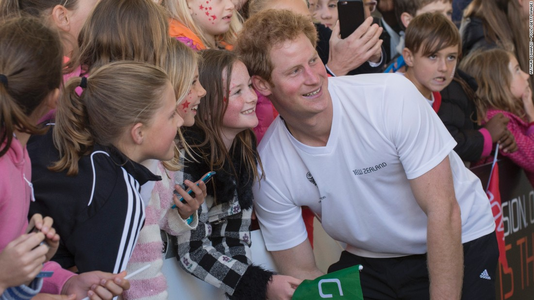 Prince Harry: Bring back UK compulsory national service