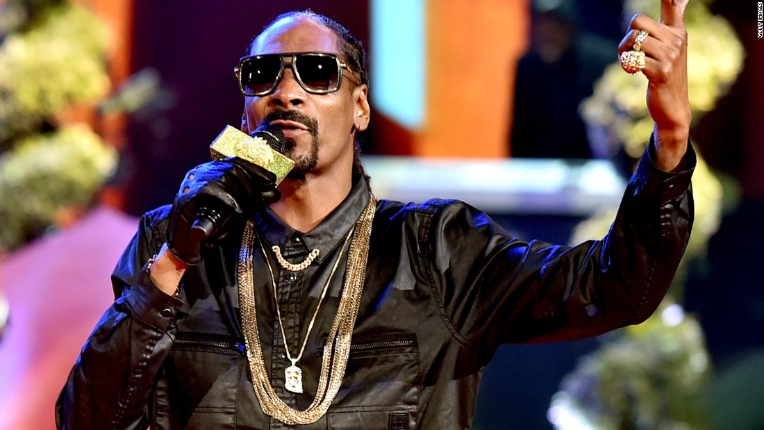 "Snoop Dogg has used Auto-Tune in the album (and the song of the same name) <a href=""https://www.youtube.com/watch?v=Y1PVmANeyAg"" target=""_blank""><em>Sensual seduction</a></em>."
