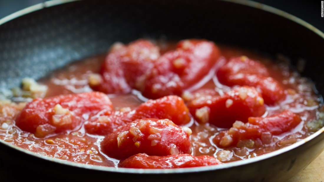 For the tomatoes' cancer- and heart-disease-fighting properties, you're better off cooking them.
