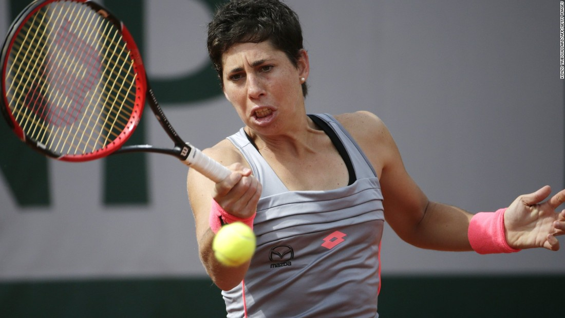 Carla Suarez Navarro entered the French Open fourth in the calendar-year standings. Clay is also her preferred surface. The dark horse began by dropping a mere four games against tricky Romanian Monica Niculescu.