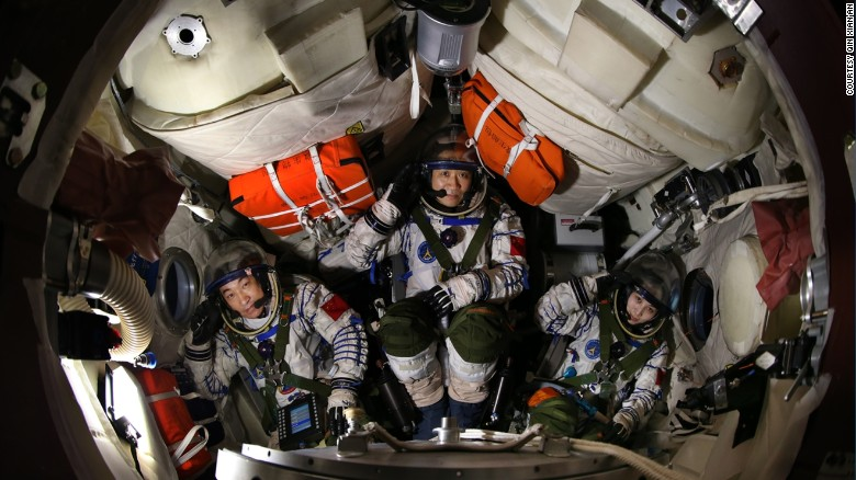 How China's astronauts prepare for space