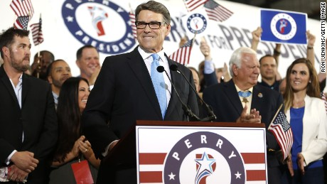 Former Texas Gov. Rick Perry smiles after announcing that he will run for president in 2016 on June 4, 2015 in Dallas, Texas.