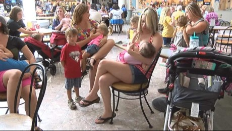 Moms stage 'nurse-in' to protest breast-feeding policy
