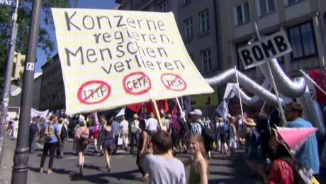 cnni penhaul intv g7 protesters clash with police_00015904
