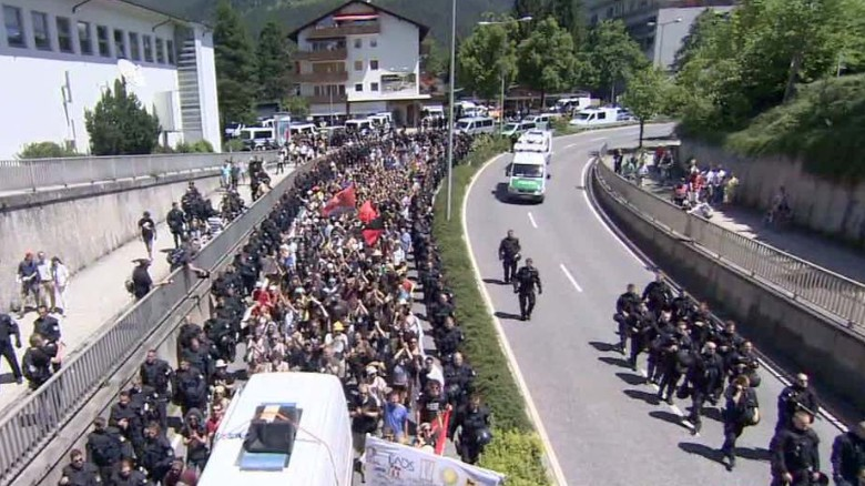Protesters vow to disrupt G7 summit