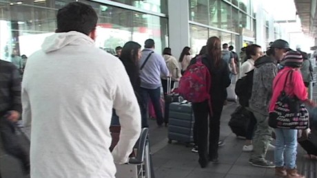 cnnee pkg ramos colombia no visa young people _00000806