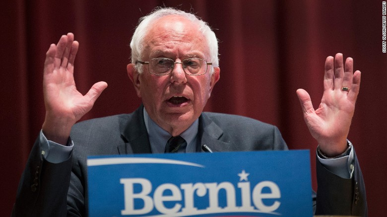 Bernie Sanders draws crowd of nearly 10,000 supporters