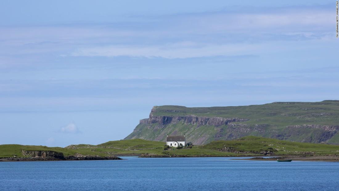 Hand-knitted heist rocks tiny Scottish island of Canna