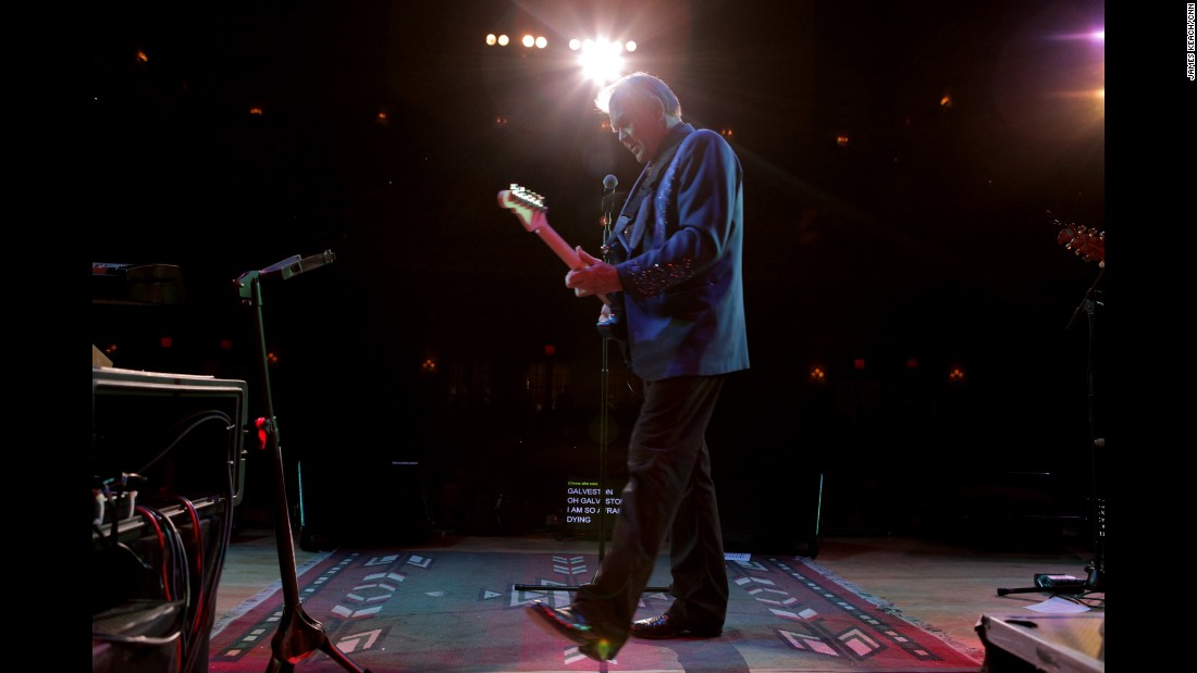 "CNN Films presented the documentary <a href=""http://www.cnn.com/shows/glen-campbell-ill-be-me"" target=""_blank"">""Glen Campbell ... I'll Be Me,""</a> which followed his goodbye tour across America in 2011."