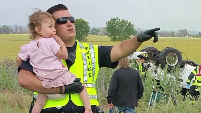 cop sings toddler after fatal crash pkg_00010025