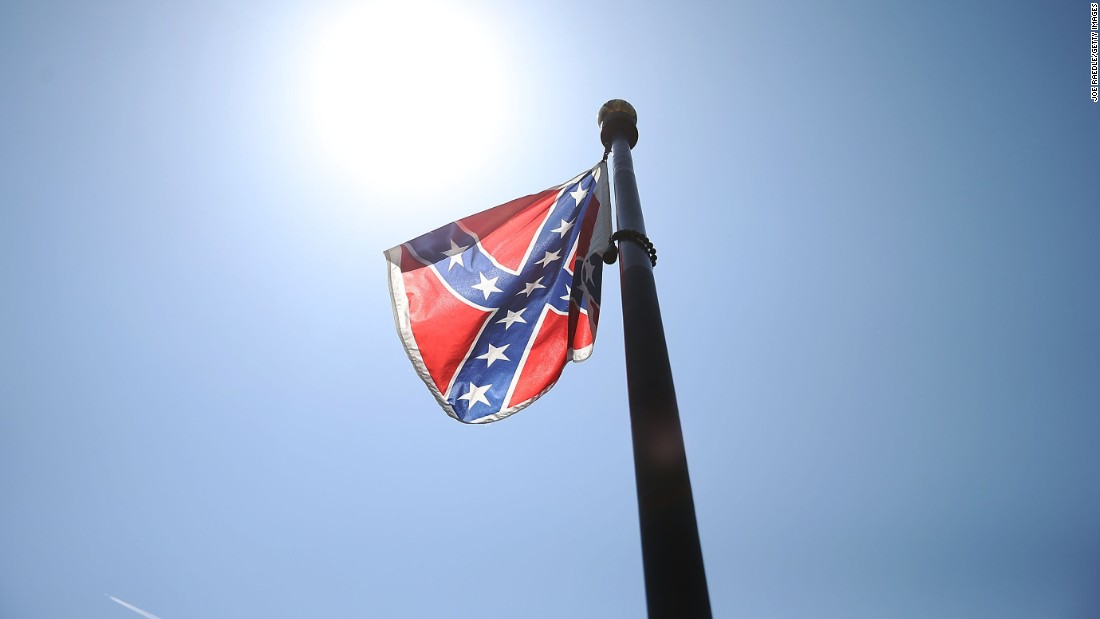 S.C. governor signs bill to remove Confederate flag from Capitol grounds