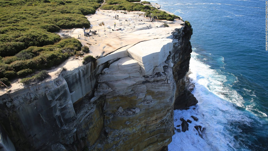 Australias Wedding Cake Rock May Collapse Into The Sea