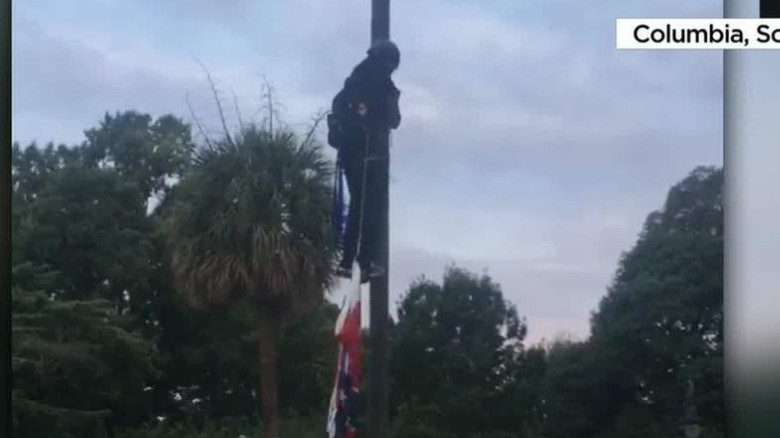 Report: Activists take down Confederate flag in South Carolina