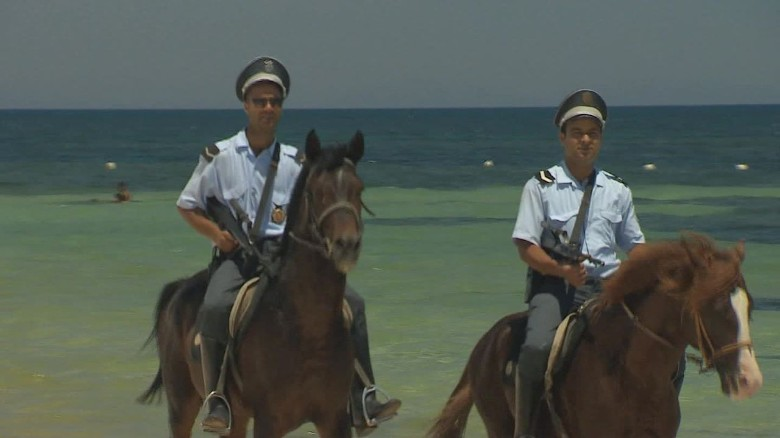 Tunisia to deploy armed police around tourist sites