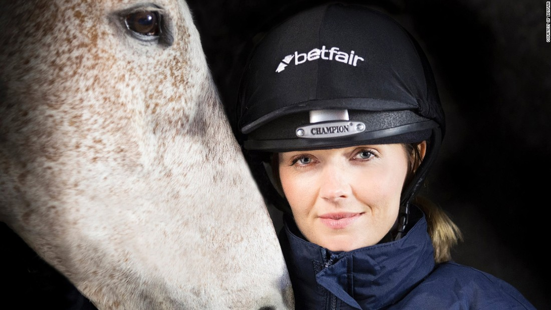 Track cycling champion Victoria Pendleton has taken up the challenge laid down by UK betting company betfair to train as a amateur jockey with the aim of riding at the Cheltenham Festival in 2016.