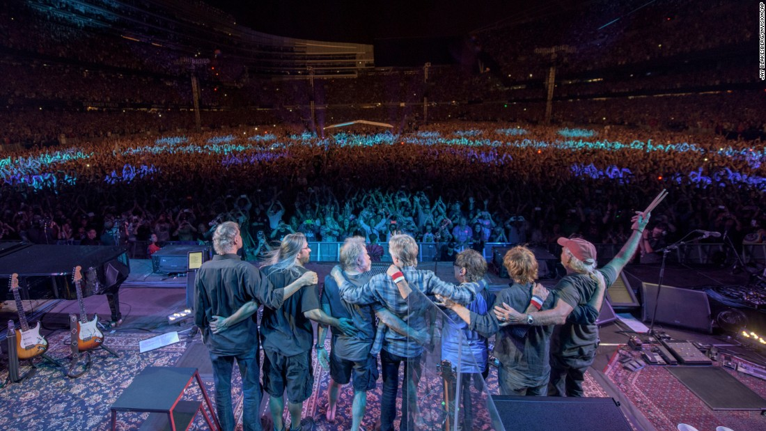 "<a href=""http://www.cnn.com/2015/07/02/entertainment/gallery/grateful-dead/index.html"" target=""_blank"">The Grateful Dead</a> takes its final bow Sunday, July 5, in Chicago. The last concert came 50 years after the legendary jam band started in 1965. <a href=""http://www.cnn.com/2015/07/03/world/gallery/week-in-photos-0703/index.html"" target=""_blank"">See last week in 43 photos</a>"