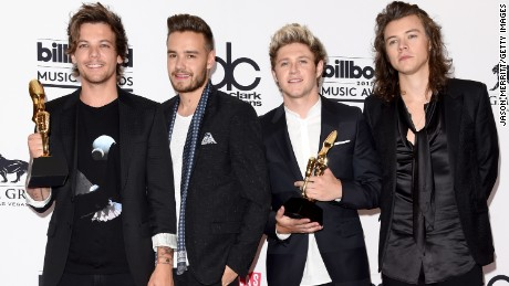 One Direction at the Billboard Music Awards, 2015
