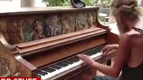 homeless veteran and son reunited by music good stuff Newday _00001408.jpg