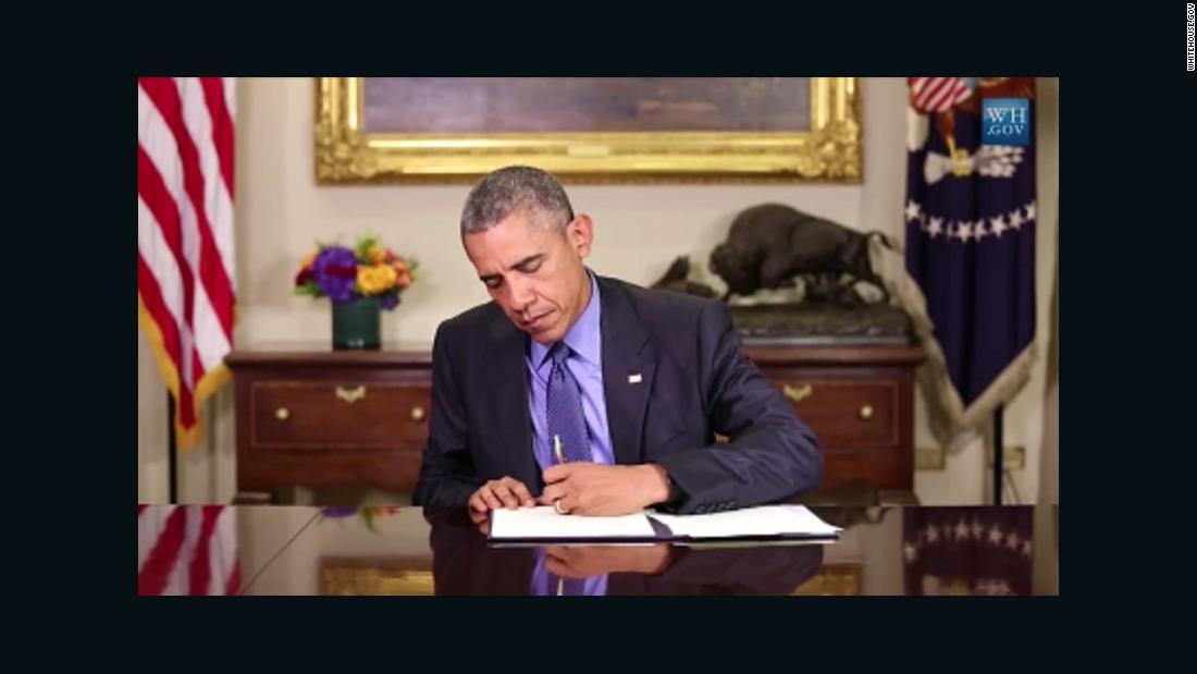 President Barack Obama commutes sentences of 46 drug offenders