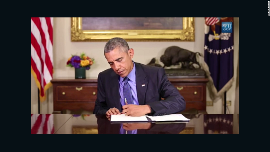 Obama looks beyond commutations in justice reform bid