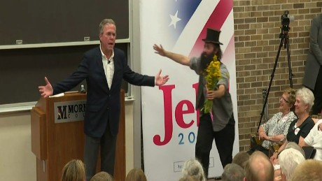 Jeb Bush tops off Iowa event with hugs and a peace prayer