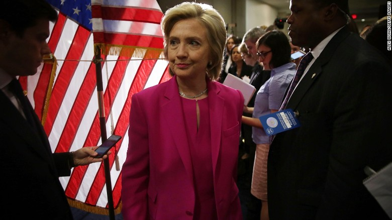 Poll: Clinton trails GOP candidates in key states