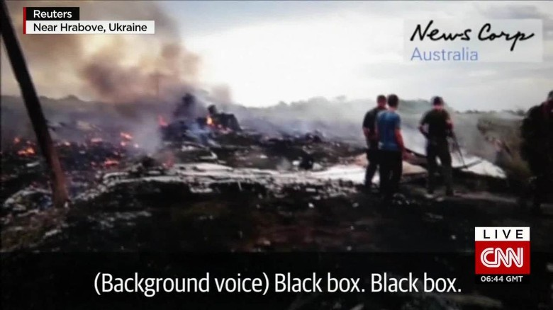 mh17 crash aftermath footage allen cnni nr lklv_00001425.jpg