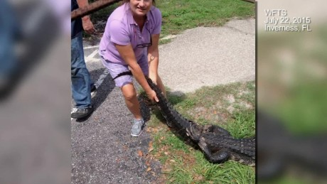 cnnee vo woman fights alligator for her dog _00001317.jpg