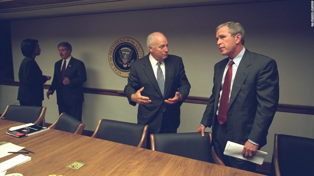 "According to <a href=""http://www.historycommons.org/timeline.jsp?timeline=complete_911_timeline&day_of_9/11=bush&startpos=100"" target=""_blank"">historycommons.org</a>, Bush arrived at the White House shortly before 7 p.m. on September 11. A few minutes later, he entered the Emergency Operations Center."