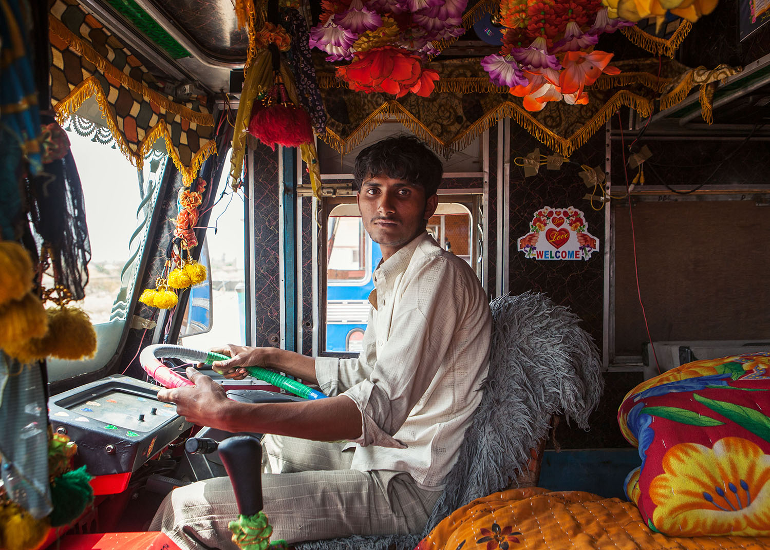 crazy truck drivers in india video