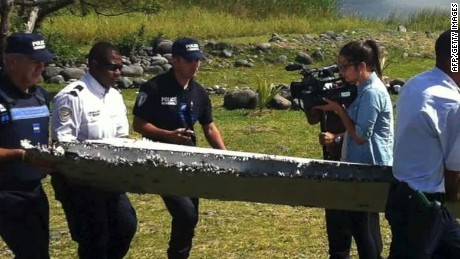 mh370 possible debris found from 777 wolf live tsr_00004116