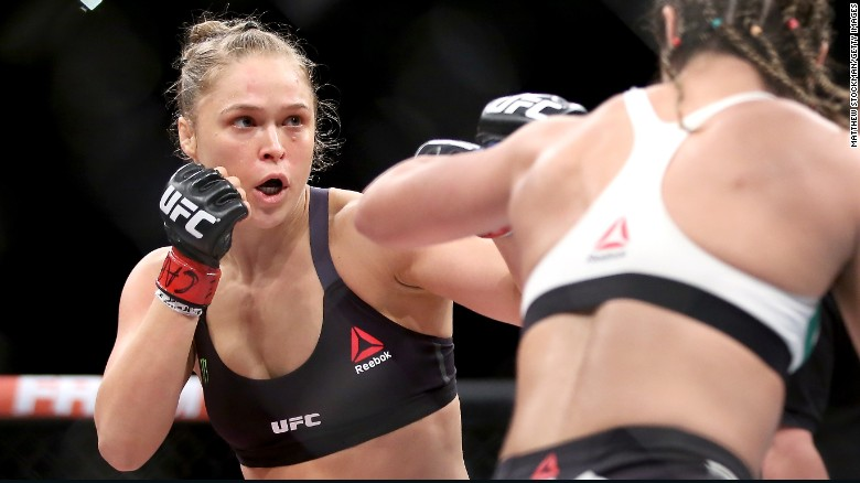 Ronda Rousey wins the UFC 190 Title Fight in 34 seconds