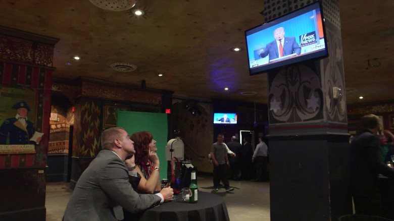 Being Moody Cleveland GOP debate watch party House of Blues bar origwx jm_00012509