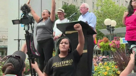 'Black Lives Matter' shuts down Sanders event