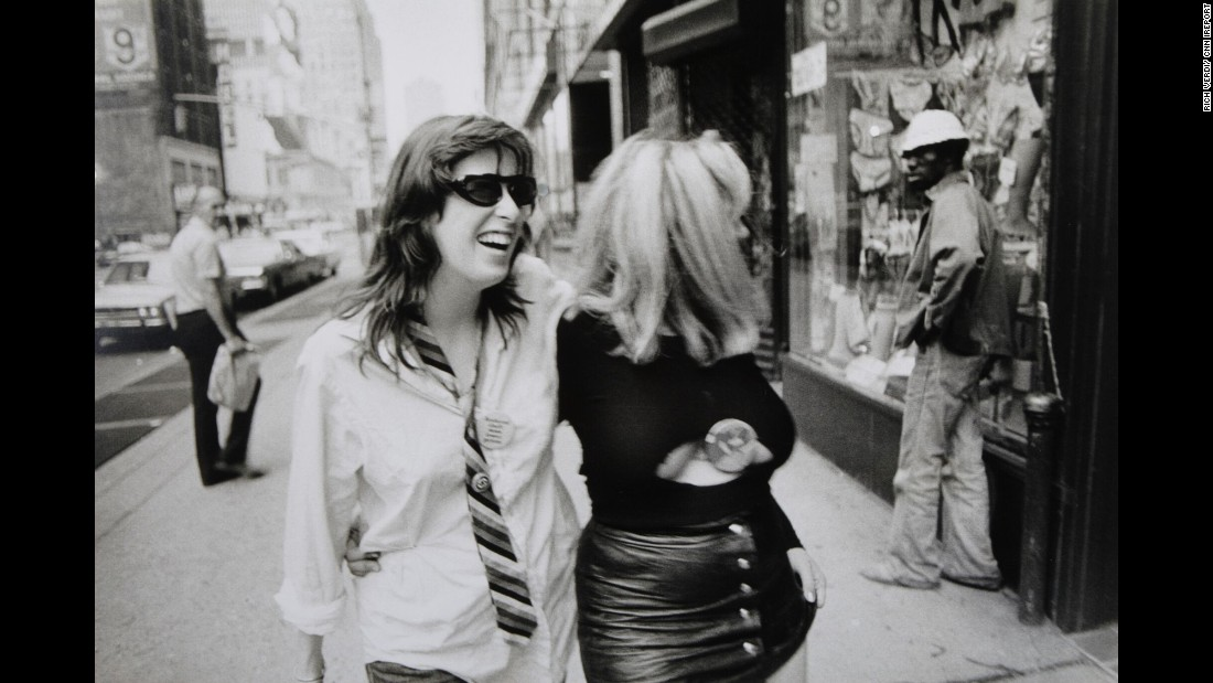 Verdi captured two CBGB regulars on the streets of New York in 1977.