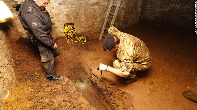 Unexploded 500-pound WWII bomb found in London