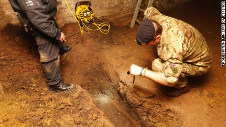 The discovery of an unexploded World War II bomb has brought a bustling area of east London to a standstill and forced scores of people from their homes. The 250-kilogram (550-pound) device has lain undisturbed for the past 70 years but was uncovered Monday afternoon by contractors working at a construction site on Temple Street in Bethnal Green.