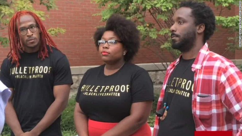 Clinton meets with #BlackLivesMatter protesters