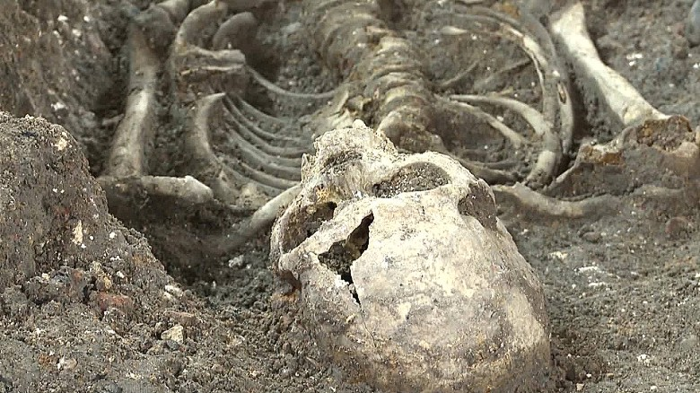 'Plague pit' unearthed in London