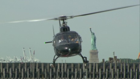 cnnee pkg vega tourist helicopter in new york_00000711.jpg