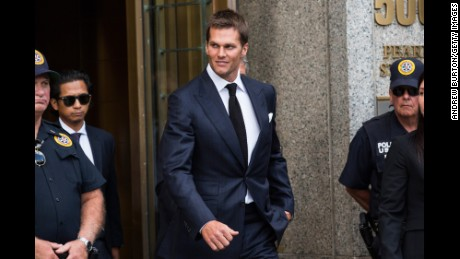 Deflategate be damned, Tom Brady and Patriots celebrate