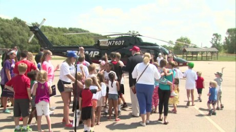 Trump takes kids up in helicopter