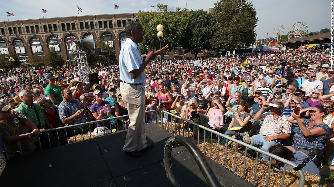 Carson speaks at the fair on August 16.