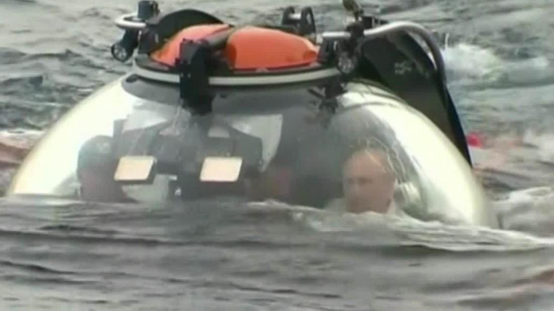Russia's Vladimir Putin takes dive in submersible, stirs up Ukrainian anger