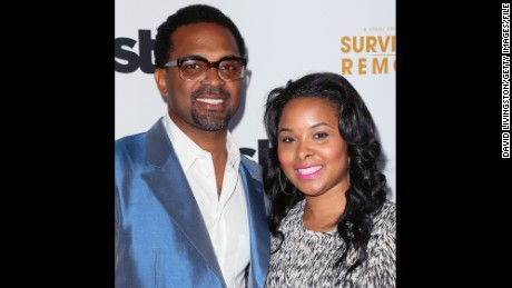 Actor Mike Epps' wife, Mechelle, got involved in a suspicious Twitter conversation.