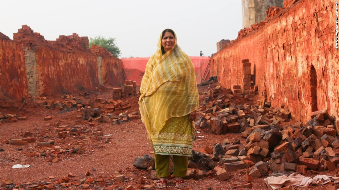 The photos that raised $2 million to free bonded brick workers