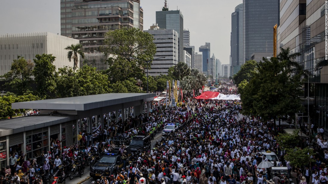 Indonesia is predicted to add more than 110 million to its population by 2050, despite its negative net migration figures. The urban population is now a majority on the archipelago, and its capital Jakarta is set to feel the strain.