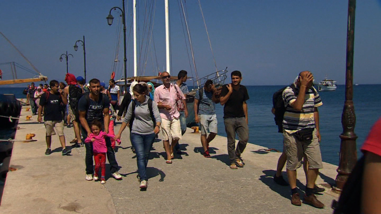 Mixed reception for migrants arriving on Kos