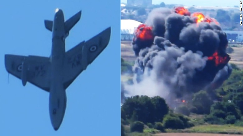 7 dead in crash at British air show